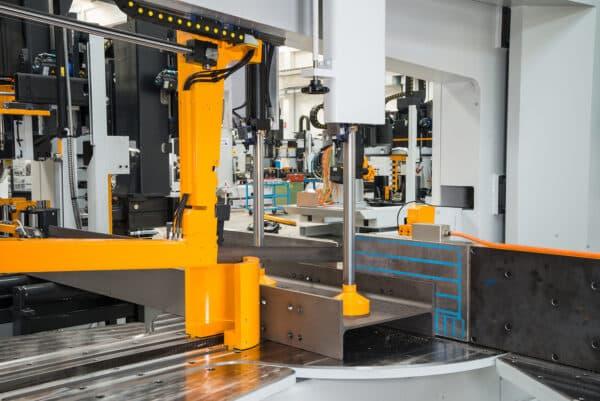 Gul og metal maskine fra ip maskiner